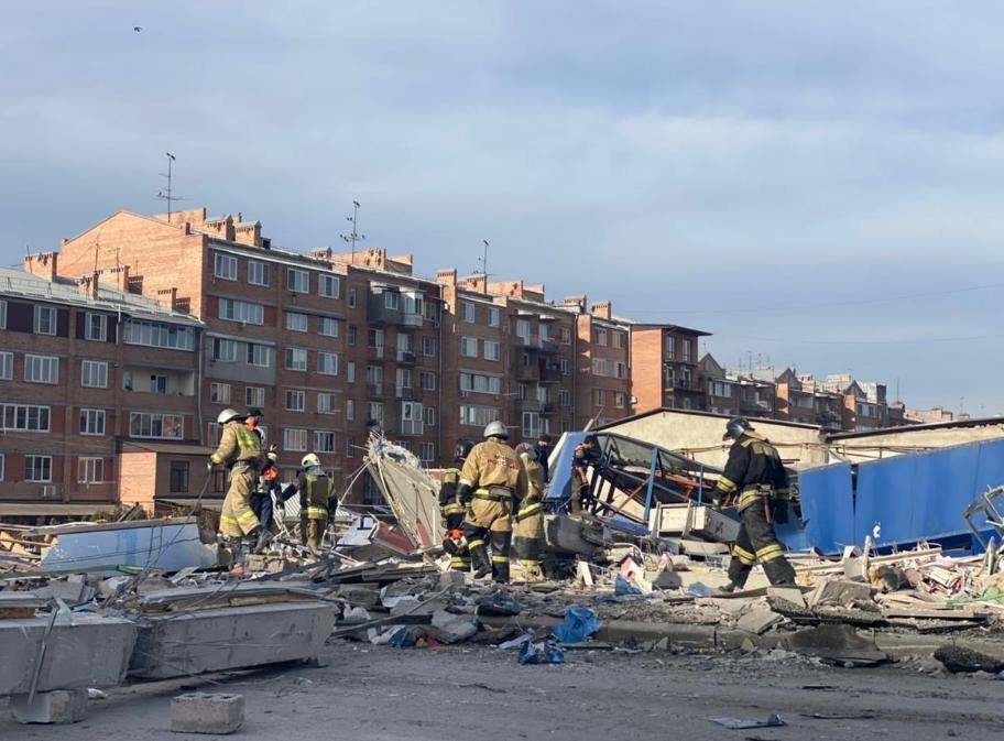 В российском супермаркете произошел взрыв: здание обрушилось (ФОТО)  - фото 3