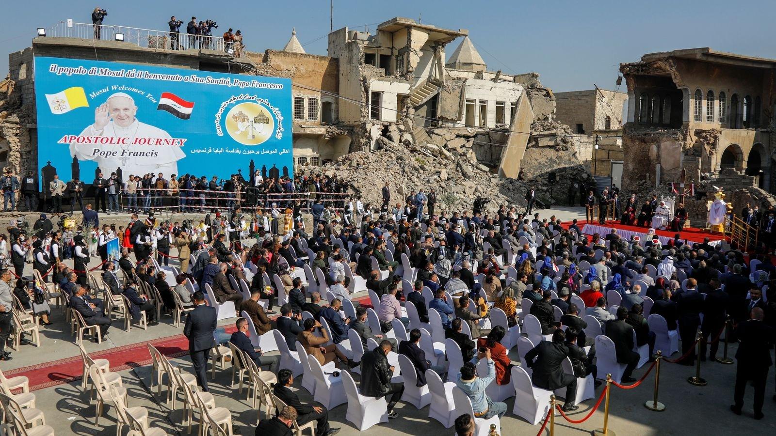 «Мир мощнее войны»: Папа Римский выступил в «столице» ИГИЛ - фото 2