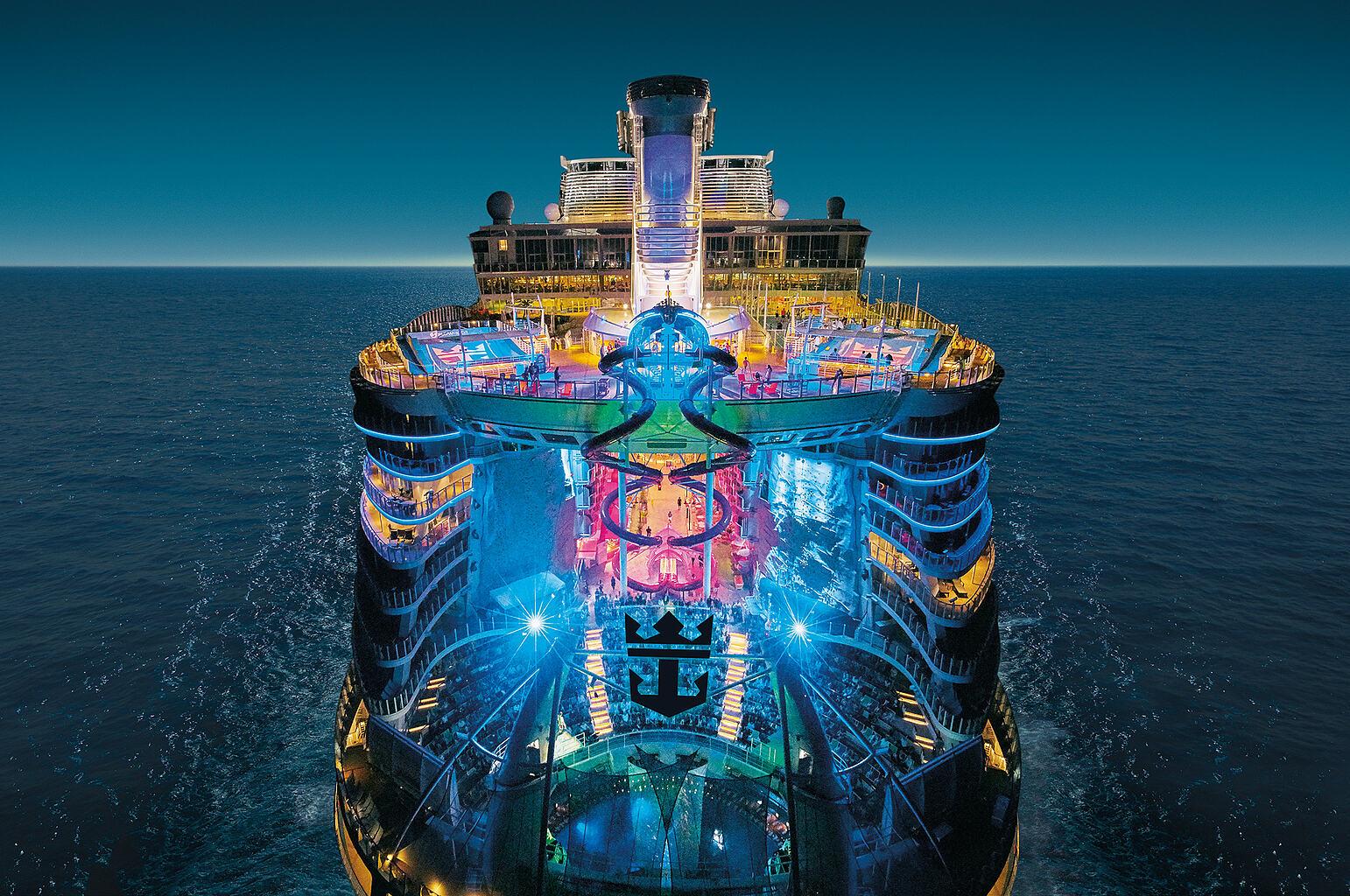 """Создателям """"Титаника"""" и не снилось: история самого большого в мире корабля - фото 3"""