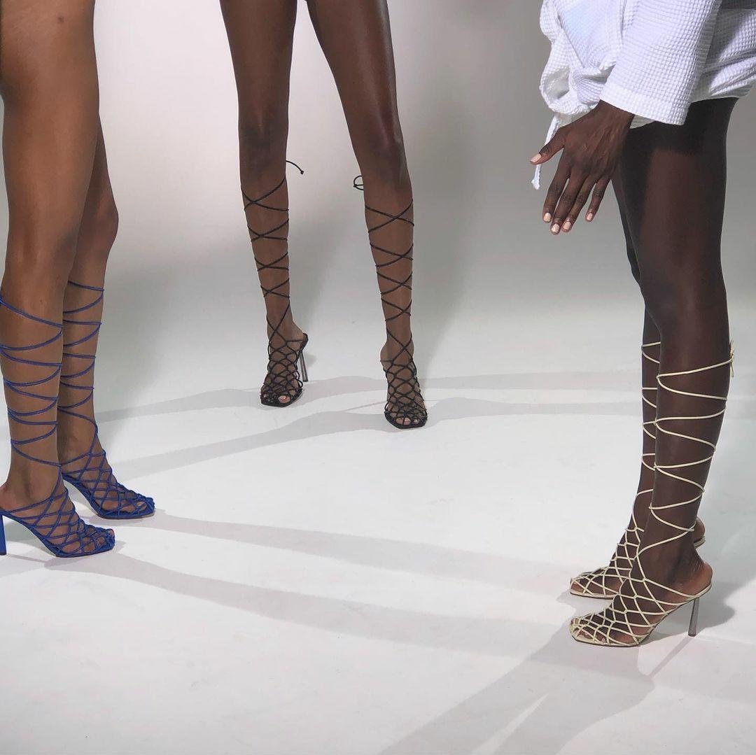 Співачка Ріанна перекваліфікувалася в дизайнери взуття (фото) - фото 6