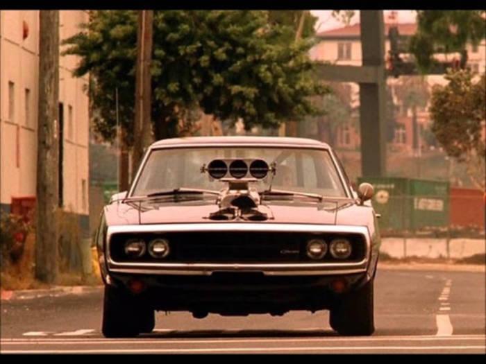 Топ-5 невероятно крутых автомобилей из популярных фильмов - фото 5