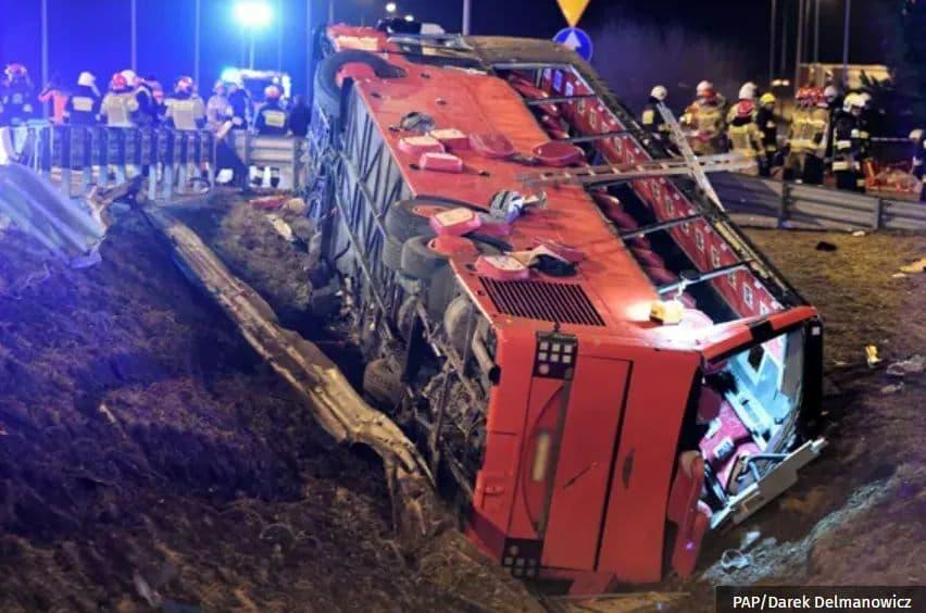 В Польше произошла масштабная ДТП, где пострадали украинцы: названа причина (ФОТО) — ОБНОВЛЕНО - фото 8