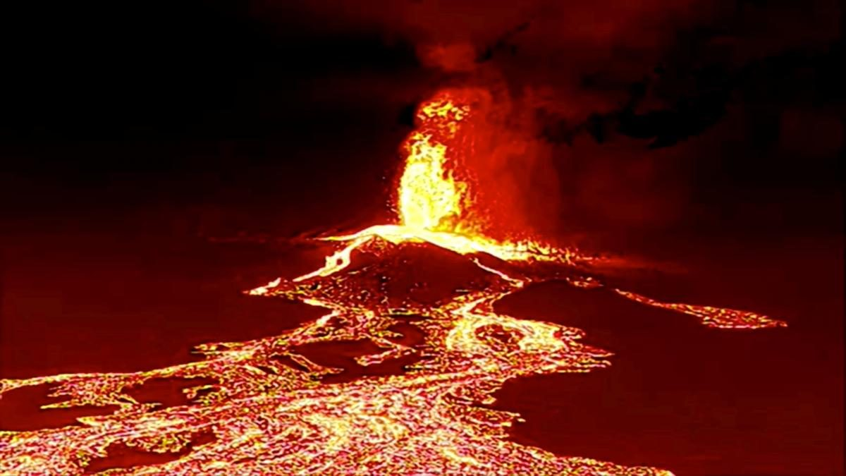 Вулкан на Канарах стал еще мощнее: лава уничтожает всё на своем пути (ФОТО)  - фото 3