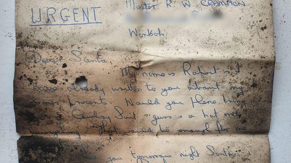 """""""Привет из прошлого"""": в дымоходе старого британского дома обнаружили неожиданную находку (ФОТО) - фото 2"""