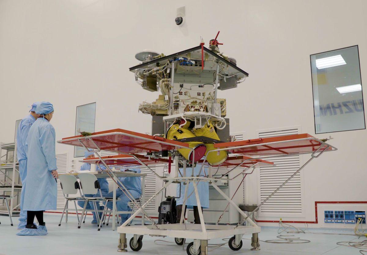 Компания Илона Маска будет сотрудничать с Украиной по вопросам космоса: подробности - фото 2