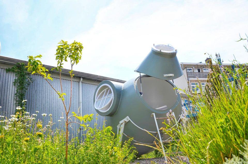 Ніч в теплиці або сміттєвому баку: в Нідерландах відкрили незвичайний кемпінг - фото 4