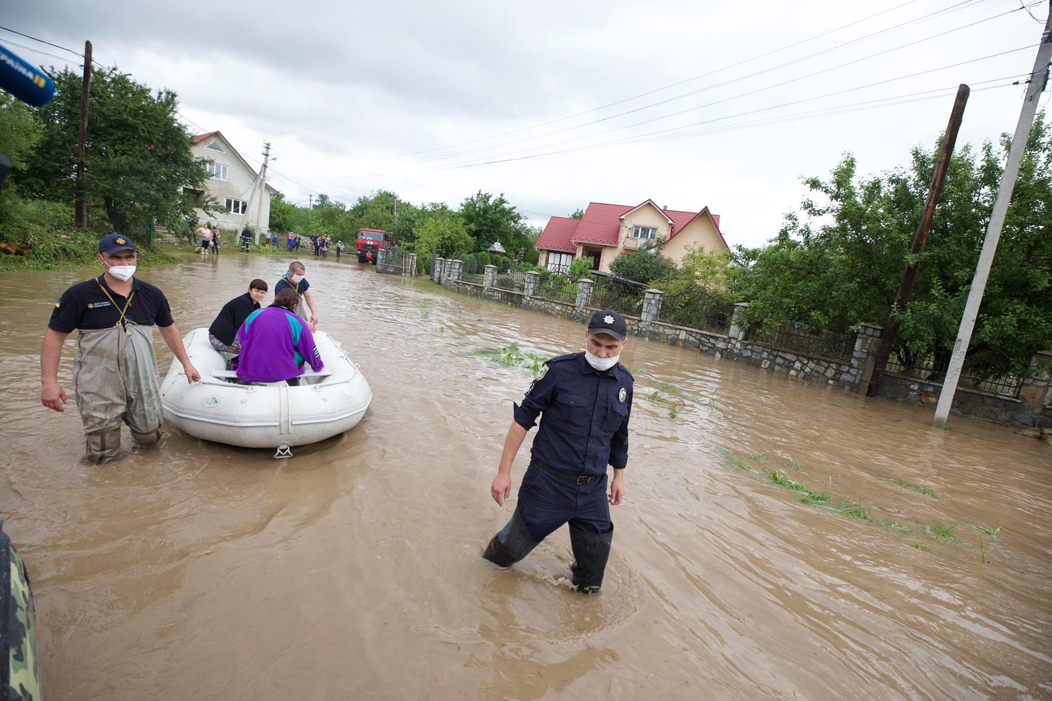 Паводок на западной Украине: ГСЧС огласила штормовое предупреждение - фото 3