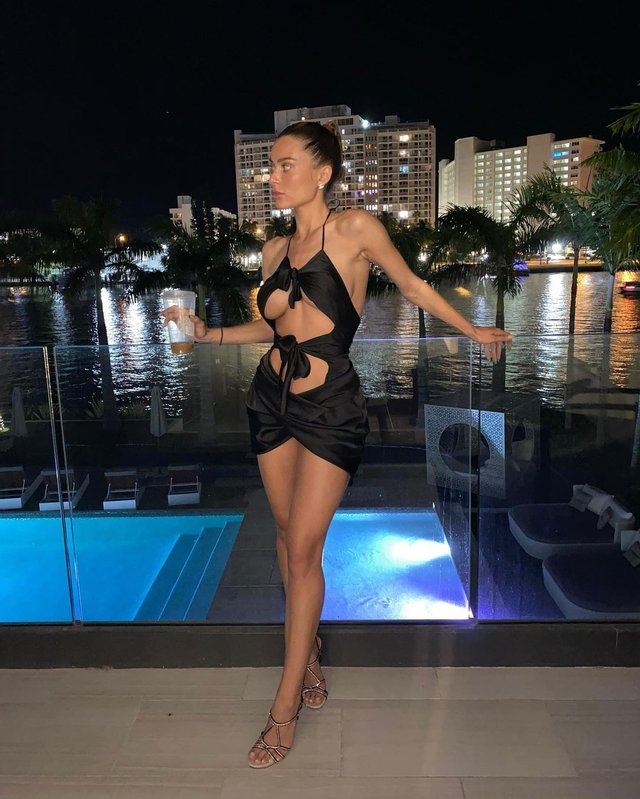 Модель Лана Роудс взволновала фанатов новыми фото - фото 3