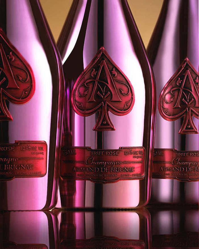 Непередаваемый вкус Франции: топ-5 лучших шампанских вин - фото 3