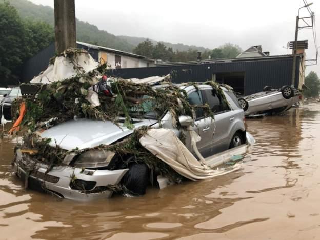 Рекордные наводнения в Западной Европе привели к десяткам погибших (фото) - фото 2