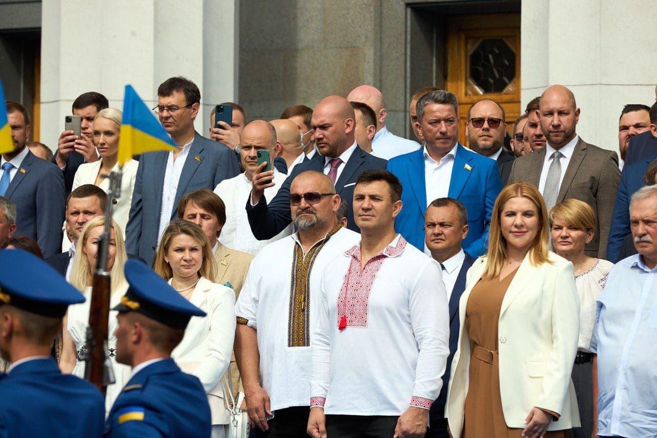 """Василь Вірастюк: """"Я прийшов до Верховної Ради для того, щоб робити реальні справи, а не займатися політикою"""" - фото 3"""