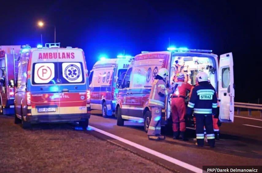 У Польщі сталася масштабна ДТП, де постраждали українці: названо причину (ФОТО) — ОНОВЛЕНО - фото 6