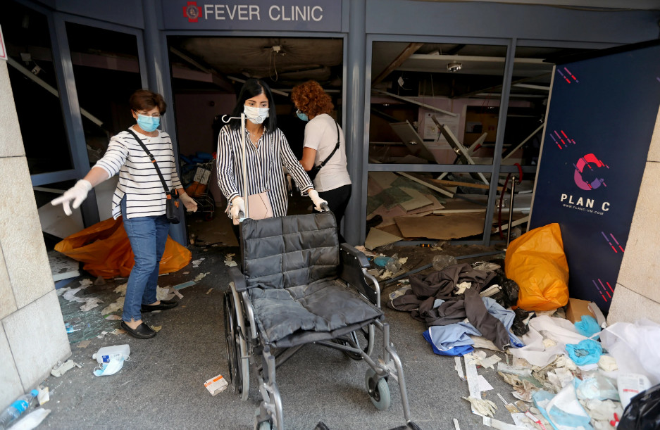 Будто кадры из фильма про Армагеддон: как выглядит Бейрут после взрывов (ФОТО, ВИДЕО) - фото 4