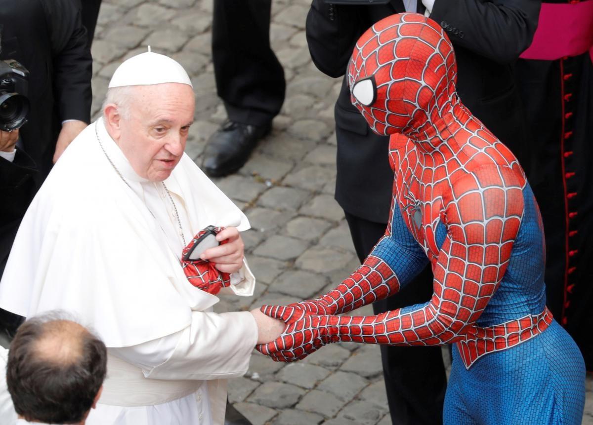 Папа Римский встретился с Человеком-пауком (ФОТО)  - фото 4