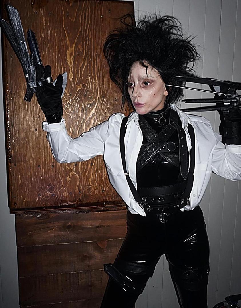 Самые эффектные образы Пэрис Хилтон, Леди Гаги и других звезд для Хэллоуина (фото)  - фото 5