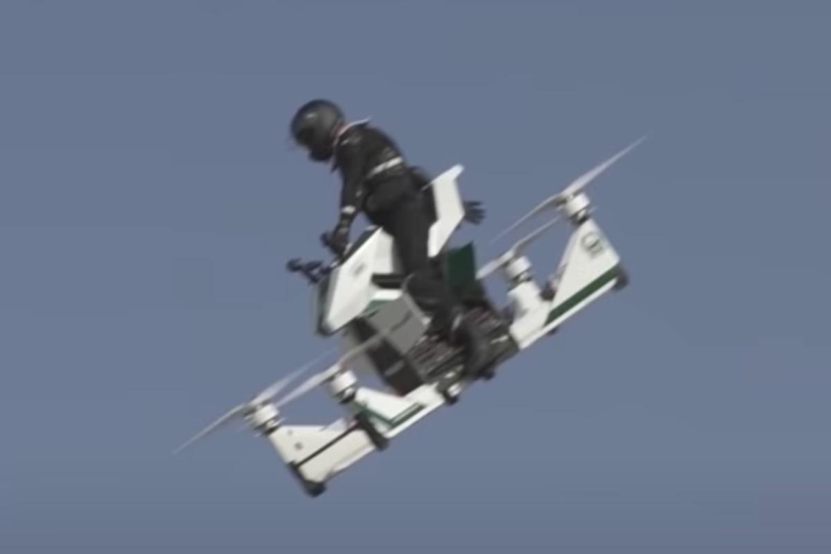 Полный провал: российский летающий мотоцикл разбился в Дубае - фото 2
