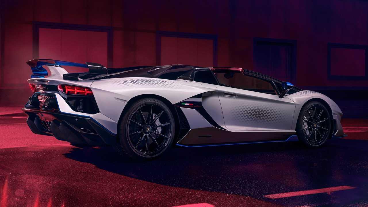 Итальянский автопроизводитель представил новый спорткар - фото 3