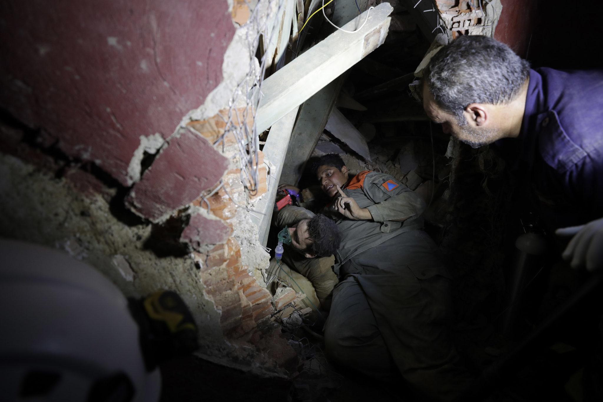 Будто кадры из фильма про Армагеддон: как выглядит Бейрут после взрывов (ФОТО, ВИДЕО) - фото 10