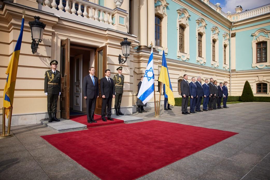 В Украину прибыл президент Израиля: как проходит его официальный визит - фото 2