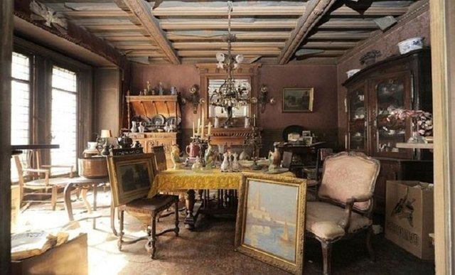 Во Франции нашли квартиру, которая 70 лет простояла закрытой (фото)  - фото 4