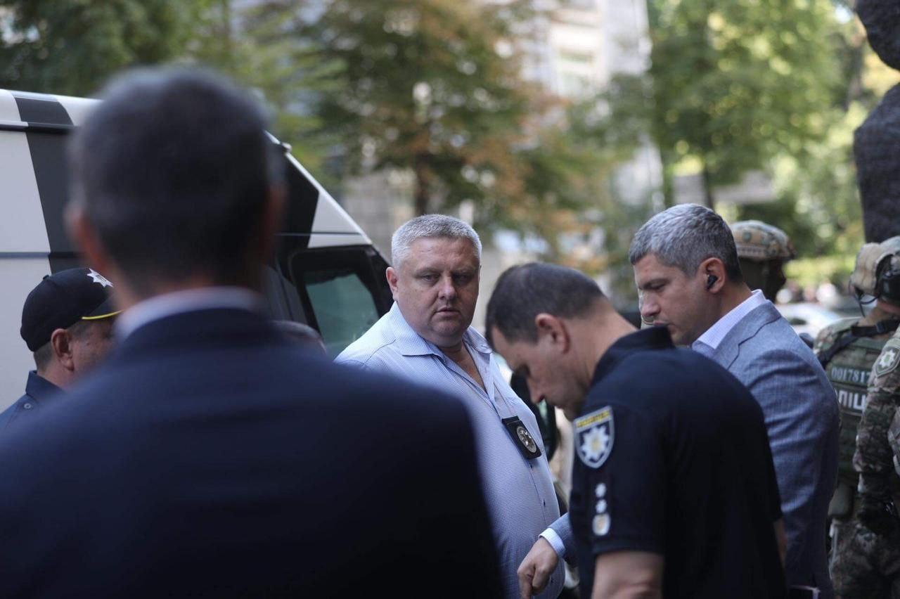 Столична поліція знешкодила «загарбника» Кабміну. Спецоперацію очолив Крищенко - фото 2