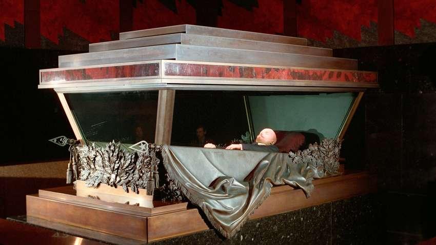Жириновский предложил продать «мумию» Ленина