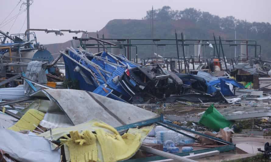 218 человек травмированы и 6 погибли: что произошло в Ухане (ФОТО, ВИДЕО) - фото 2
