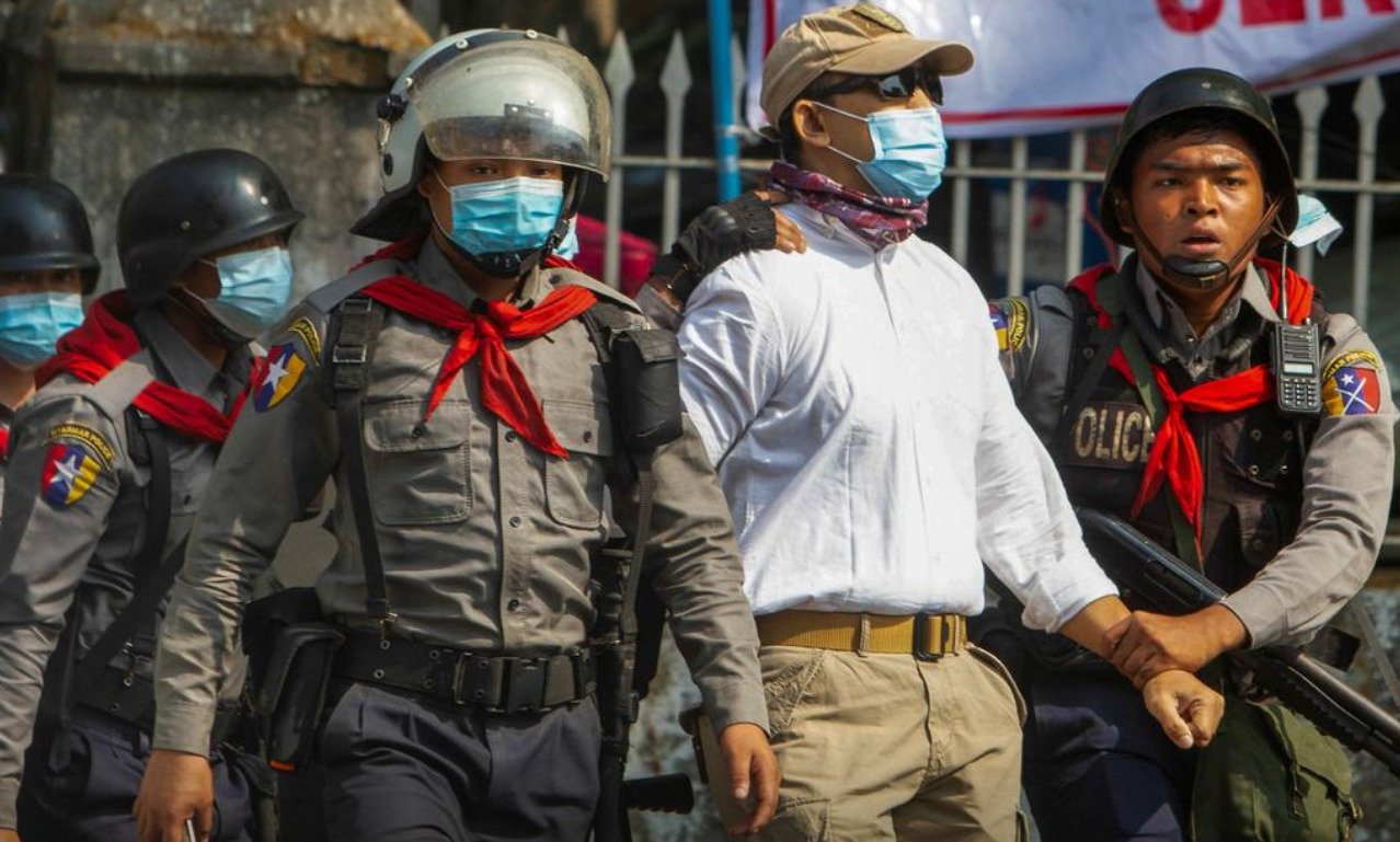 В Мьянме жесткие задержания, есть погибшие: посол призвал ООН прекратить переворот любой ценой (фото) - фото 2