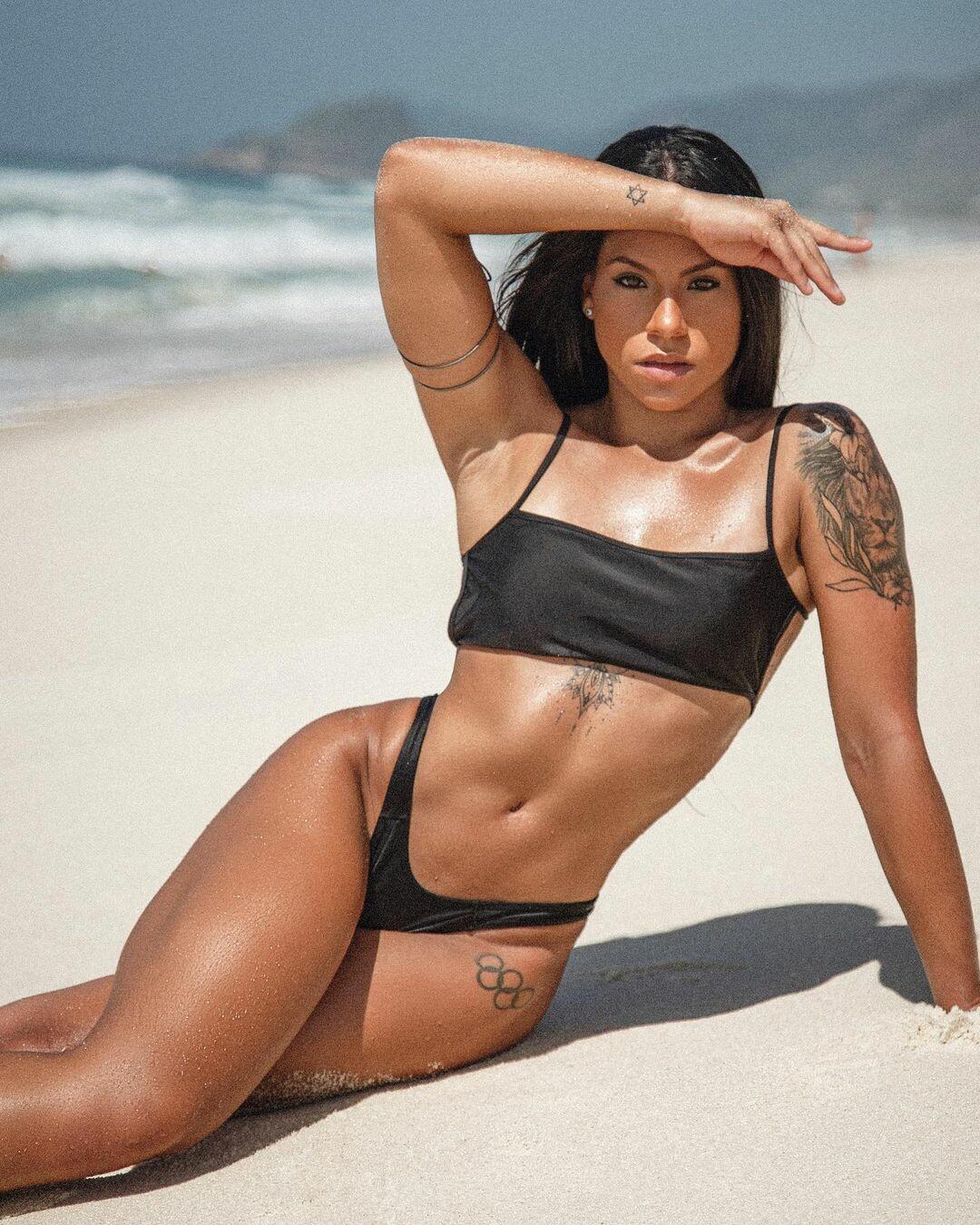 Любителька сексу на Олімпіаді показала своє гарне тіло - фото 3