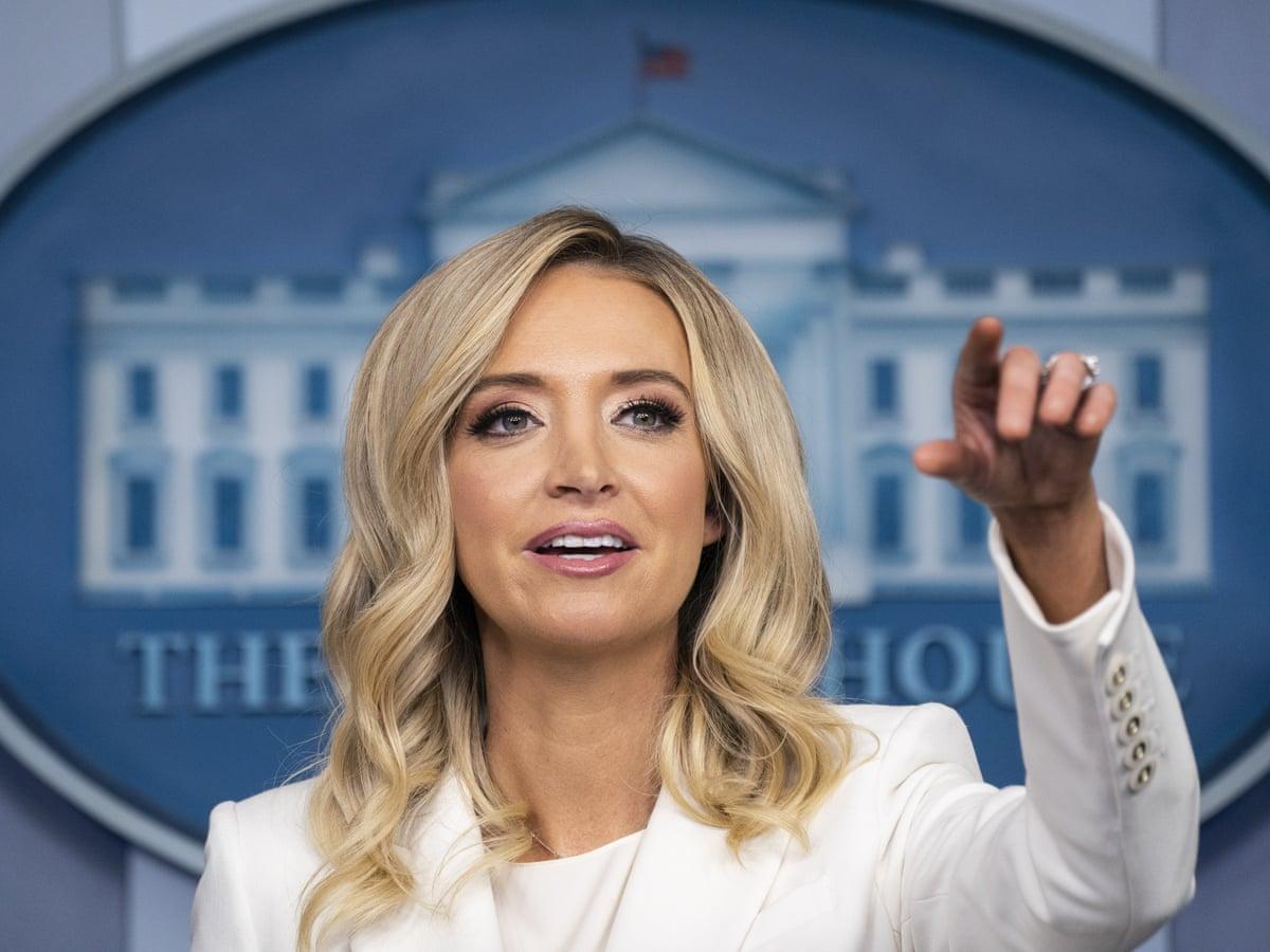 Пресс-секретарь Белого дома сбросила кожу перед Днем благодарения - фото 2