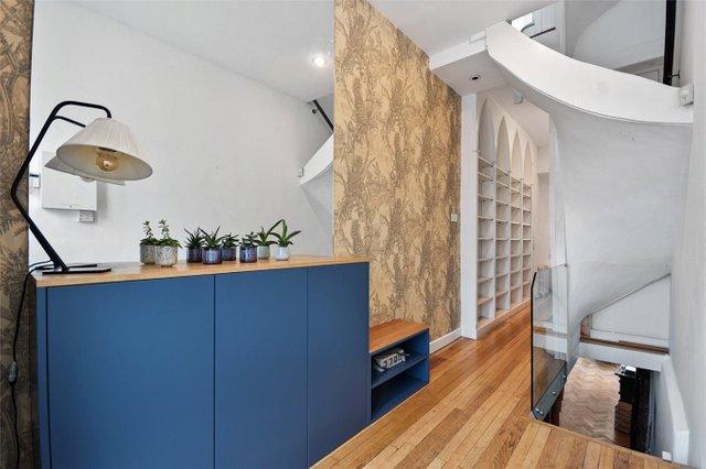 Найвужчий будинок в Лондоні продають за 1,2 мільйона доларів (фото) - фото 2