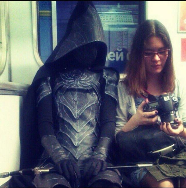 Добірка смішних та дуже дивних пасажирів в метро (Фото) - фото 3