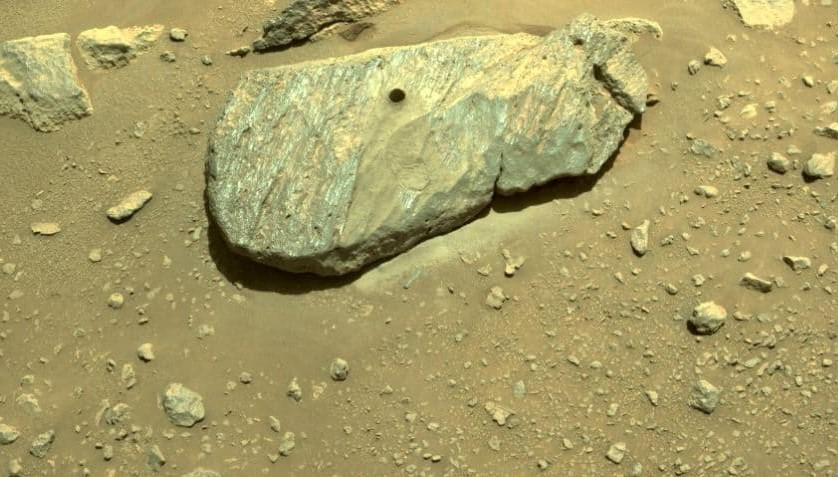 NASA Perseverance добыл образцы горной породы на Марсе (ФОТО)  - фото 3
