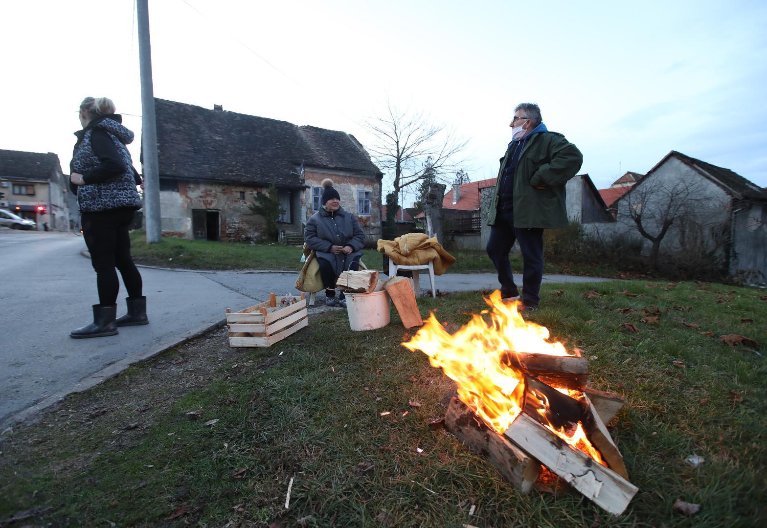 У Хорватії - нові землетруси: люди ночували на вулицях - фото 5