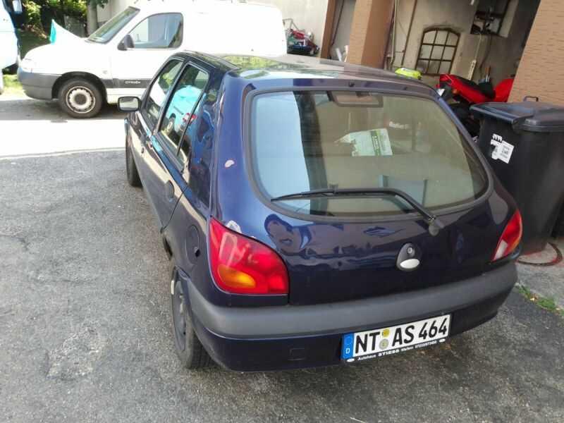 Почти даром: авто, которые можно купить за 50 евро (фото)  - фото 7