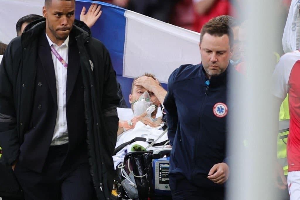 Матч Данія-Фінляндія зупинили: кому з футболістів стало погано — фото, видео (ОНОВЛЕНО) - фото 5