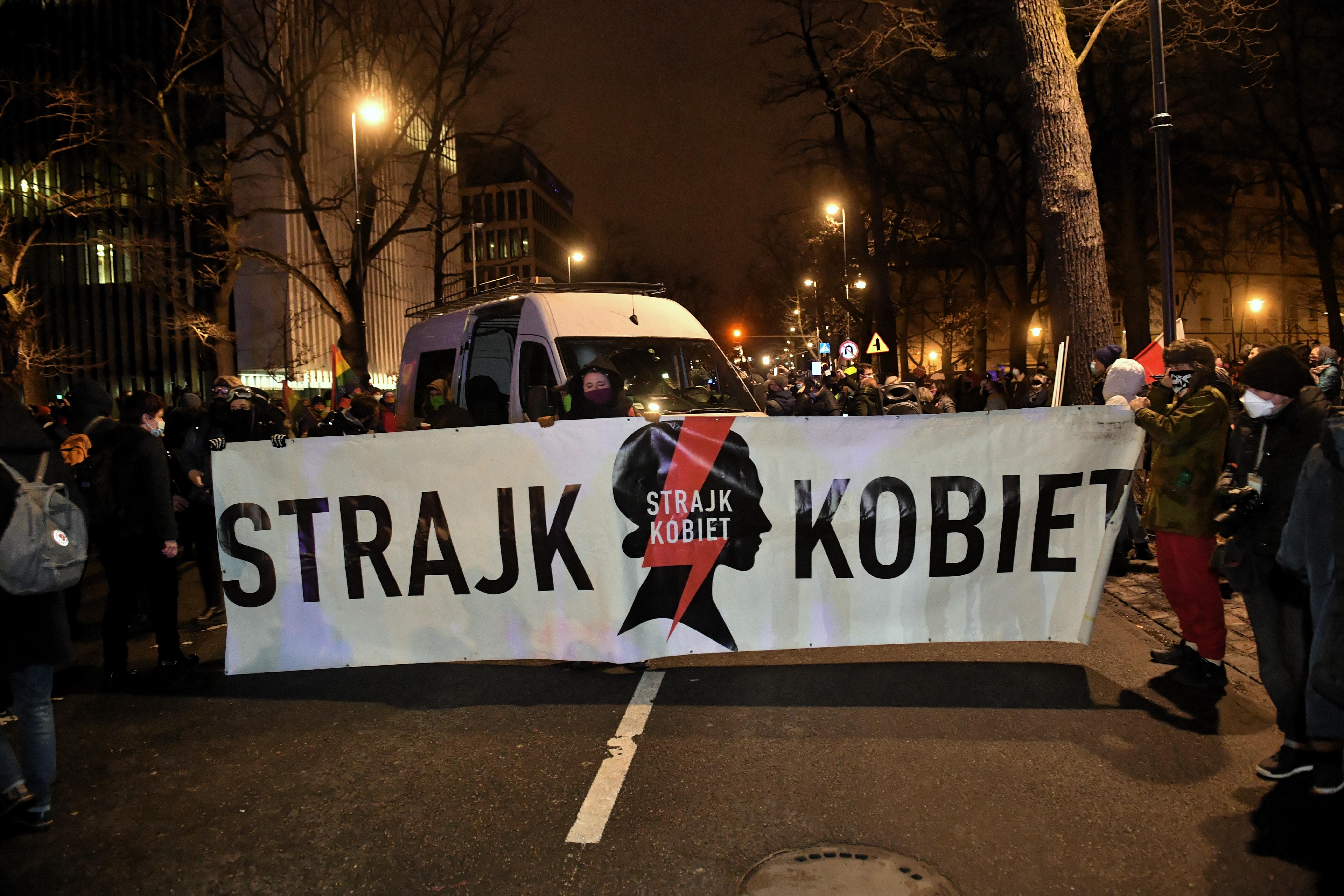 В Польщі остаточно заборонили аборти - наслідки (Фото)  - фото 3