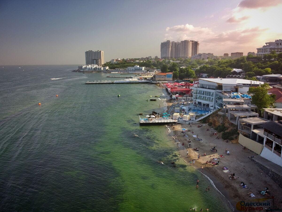 Море в Одесі раптово змінило колір (ФОТО) - фото 2