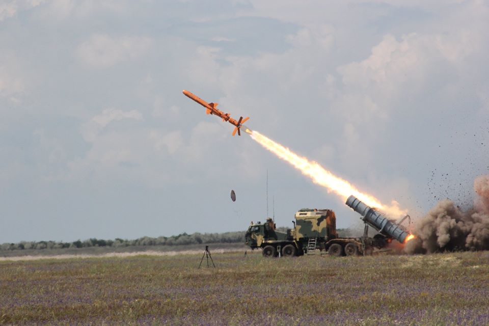 Генштаб ВСУ показал фото очередного этапа испытаний ракетного комплекса «Нептун» - фото 2