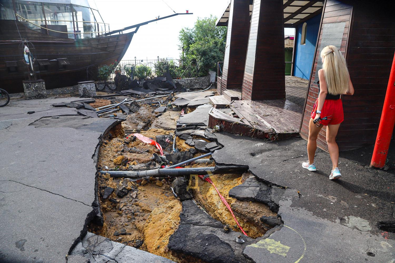 Поплыла из-за дождя: как Одесса справилась с мощнейшей непогодой (ФОТО, ВИДЕО) - фото 8