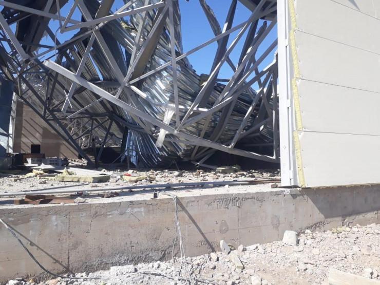 ФОТОФАКТ: в Казахстані під час спорудження рухнув майже за 3 млн доларів стадіон - фото 3