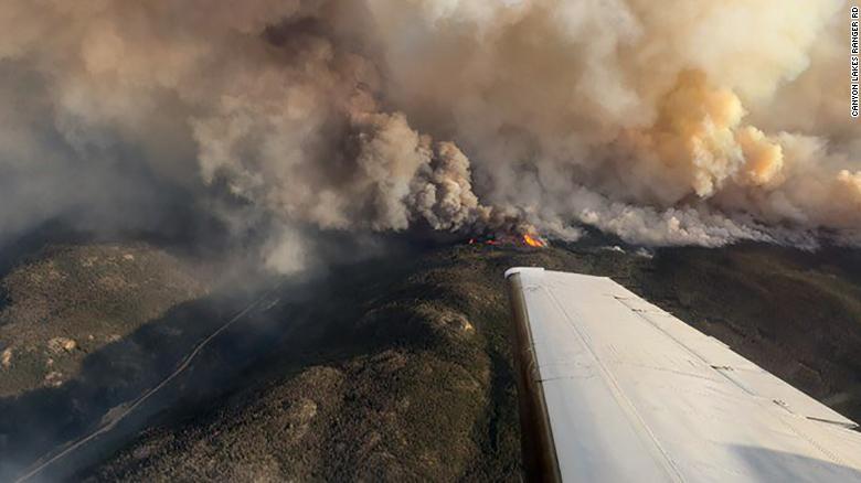ФОТОФАКТ: Лесные пожары в США сожгли около 40 тыс. гектаров земли, ситуация ухудшается - фото 3