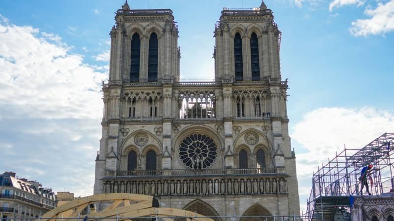 У Франції почнуть реставрацію Нотр-Дама: як собор виглядає зараз - фото 3