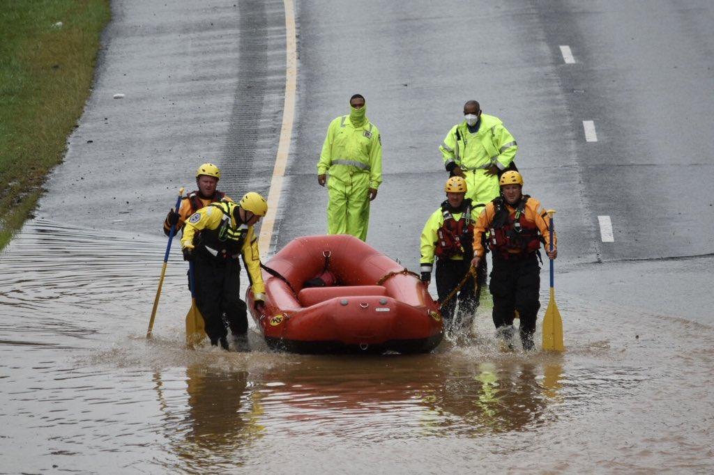 Ливни затопили часть штата Вашингтон, Мэриленд и Вирджинию (фото) - фото 5