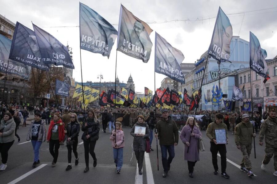 В Киеве состоялся Марш Нации с участием Нацкорпуса - фото 6