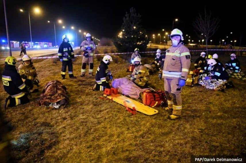 В Польше произошла масштабная ДТП, где пострадали украинцы: названа причина (ФОТО) — ОБНОВЛЕНО - фото 5