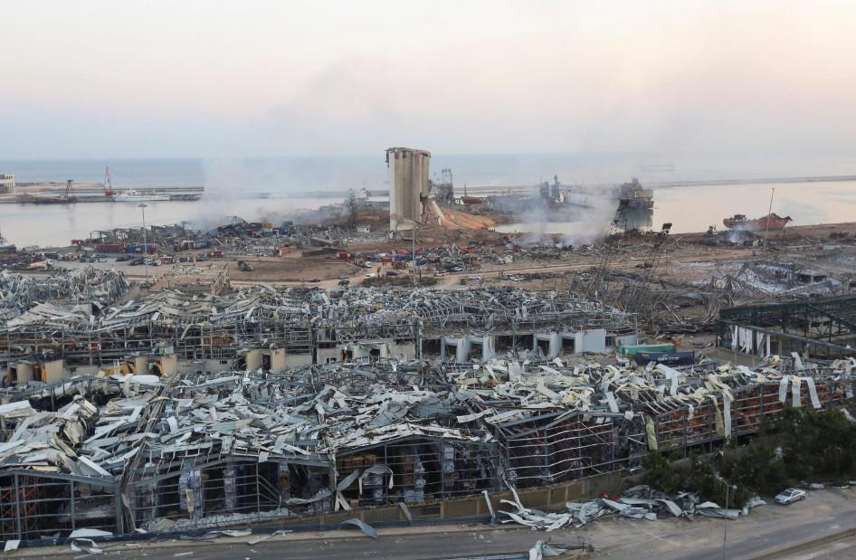 Будто кадры из фильма про Армагеддон: как выглядит Бейрут после взрывов (ФОТО, ВИДЕО) - фото 7