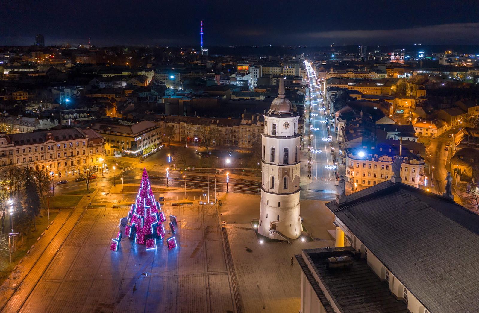 Заряд бадьорості: стало відомо, на якій енергії працює головна ялинка Литви - фото 3