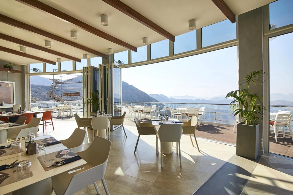 На высоте 1484 метра над уровнем моря: в ОАЭ появится новый ресторан (фото) - фото 3