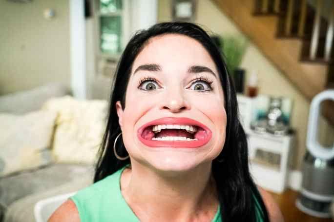 Девушка попала в Книгу рекордов Гиннесса за «самый большой» рот (ФОТО) - фото 2